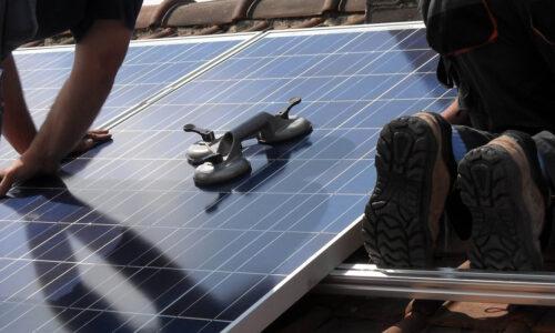 solar-panels-944002_1920